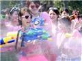12.000 trai, gái Nhật chơi trò bắn nhau bằng súng nước