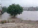 VIDEO: TP Uông Bí biến thành biển nước, 500 hộ dân bị ngập, nhiều tuyến đường bị cắt đứt