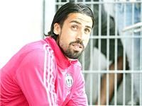 Juventus hoang mang trước mùa giải mới: Chờ bản lĩnh 'mister' Allegri