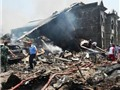 VIDEO: Khủng khiếp, máy bay Syria đâm xuống chợ, ít nhất 25 người chết