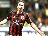 AC Milan nhìn từ… game bóng đá FIFA: Đừng có lo, Carlos Bacca không hề già!