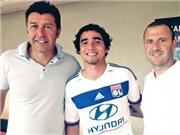 Hậu vệ Rafael nói lời chia tay Man United, chính thức khoác áo Lyon