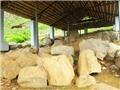 Thành Nhà Hồ:  Phát hiện đạn đá, mũi tên sắt, đá xây thành khối lớn...