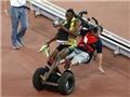 Usain Bolt ngã chổng vó sau khi giành HCV điền kinh thế giới
