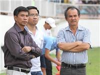NGHỊCH LÝ: 'Đổ tiền' để trụ lại V-League...
