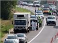 Cứu sống 3 em nhỏ nguy kịch trong chiếc xe tải chở 26 người di cư ở Áo