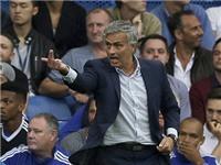 Jose Mourinho khen Man City để 'chê' chuyển nhượng của Chelsea