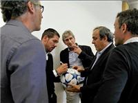 Wenger tái ngộ Sir Alex, Enrique gặp lại Allegri ở Diễn đàn HLV của UEFA