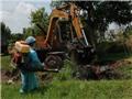 Một bệnh viện bị tịch thu ô tô, phạt 1,4 tỷ đồng vì chôn 'lậu' rác thải y tế