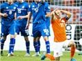 CẬP NHẬT tin sáng 4/9: Để giành Bóng vàng, Oezil nên ích kỉ. Hà Lan thua sốc ở Vòng loại EURO 2016
