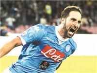 01h45 ngày 5/10, Milan - Napoli: Gặp Higuain là Milan tim đập chân run