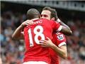 Juan Mata: Trong những chiếc ôm ở Old Trafford