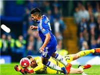 Xem Falcao và Mourinho ngã ngửa khi bị trọng tài từ chối phạt đền