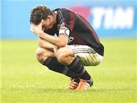 Milan thảm bại 0-4 trước Napoli: 'Nát như tương'!