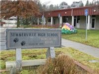 Cảnh sát bắt 4 sinh viên vì âm mưu xả súng hàng loạt