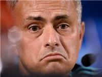 Mourinho đối mặt với án phạt vì chỉ trích trọng tài trận thua Southampton