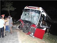 Hai xe khách chở người Việt Nam đâm nhau trực diện tại Lào