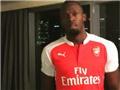 Thua cược, Usain Bolt bị ép phải mặc áo Arsenal