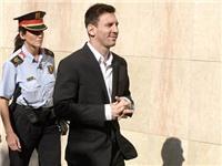Vụ cáo buộc trốn thuế: Messi sốc nặng vì có nguy cơ ngồi tù