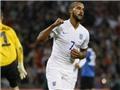 Anh 2-0 Estonia: Walcott tiếp tục bùng nổ, Anh thắng trận thứ 19 liên tiếp