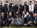 Bị nhầm là khủng bố vì để râu, giương cờ giống IS