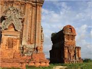 Ngắm Tháp Bánh Ít huyền bí với kiến trúc ChămPa tại Bình Định
