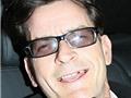 Cộng đồng mạng lan truyền video 'ăn chơi trác táng' của Charlie Sheen