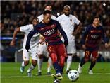 VIDEO: Được Messi nhường penalty, Neymar lại đá hỏng