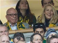 Trùm truyền thông Murdoch chính thức hẹn hò bạn gái cũ của Mick Jagger
