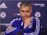 Mourinho chỉ trích đích danh Drogba: Cậu ta chỉ giỏi bán sách