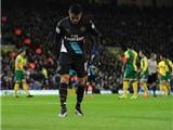 Sau Henry, đến lượt CĐV Arsenal nổi cáu với Wenger vì chấn thương của Sanchez