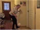 Cùng chiêm ngưỡng cụ bà 90 tuổi tâng bóng hơn nghìn lần