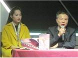 Hoa hậu Thu Thảo đấu giá 'hụt' sách của GS Ngô Bảo Châu