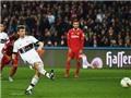 Bundesliga vòng 17: Bayern thắng tối thiểu. Dortmund gục ngã. Chicharito lại nổ súng