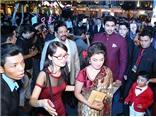 Fan thất vọng vì 'thanh tra Shiv' không có màn phát biểu tại Ngôi Sao Xanh 2015