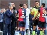 HLV Fiorentina bị truất quyền chỉ đạo vì... lao vào sân chặn bóng