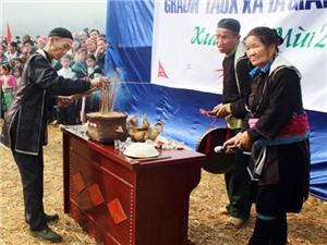 Video du lịch: Người H'mong mở hội Gầu tào