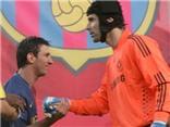 Arsenal - Barcelona: Lần này, Messi có khuất phục được Petr Cech?