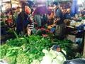 Hàng trăm nghìn một cân rau xanh, giá thực phẩm tăng chóng mặt