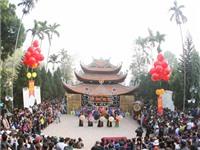 50.000 du khách nô nức khai hội chùa Hương