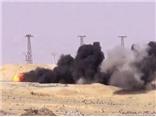 VIDEO: Nữ đặc nhiệm xinh đẹp phục kích 'thổi bay' xe bom IS