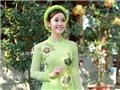 MC Thùy Linh đẹp dịu dàng với trang phục áo dài