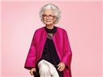 'Nhan sắc phi thường' của cụ bà 100 tuổi trên bìa tạp chí Vogue