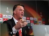 Louis van Gaal: 'Chính Man United ép tôi ở lại vào mùa tới'