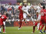 Swansea 3-1 Liverpool: Hồn ở Europa League, Liverpool dâng 3 điểm cho đối thủ