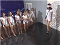 Bịt mắt catwalk - thử thách kinh khủng với thí sinh Hoa khôi