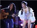 Remix Giải trí: Trấn Thành 'bạo hành tinh thần' thí sinh trên truyền hình thực tế; Hà Linh hở hang cả khi hát nhạc Trịnh