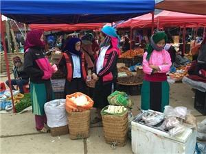 Chùm ảnh du lịch:  Đến Hà Giang, đi chợ phiên Đồng Văn