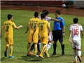 Con số & Bình luận: Trọng tài lại làm dậy sóng V-League
