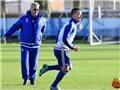 Hiddink kêu gọi Chelsea học Man United khi đối xử với các huyền thoại